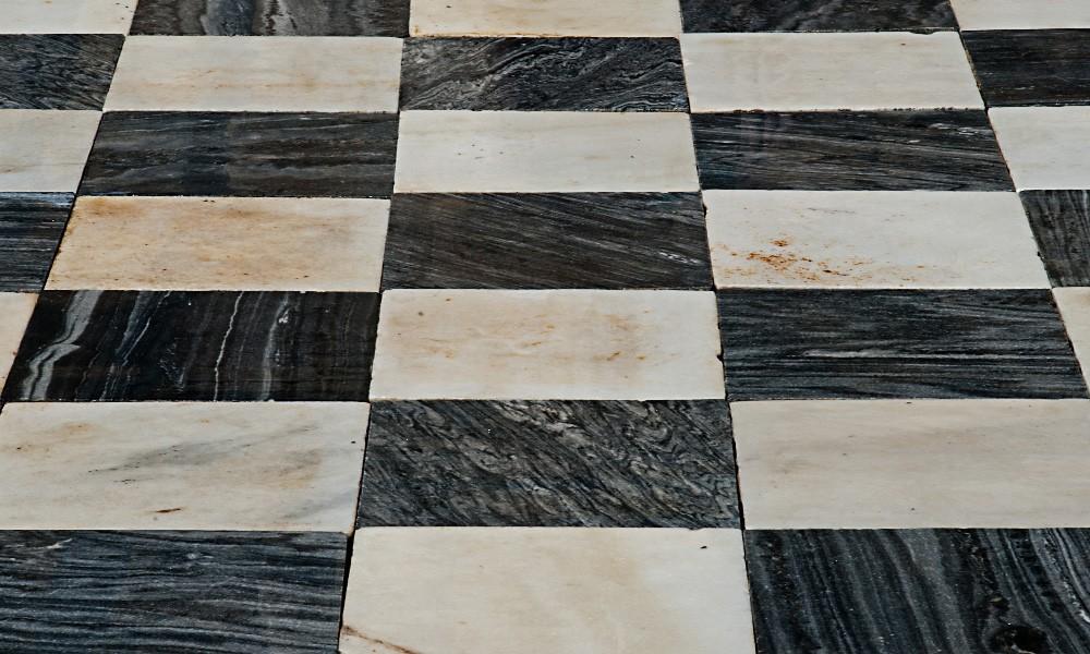 Damero antiguo de m rmol blanco y gris sxviii xix for Origen del marmol